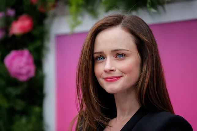 Smart Attitude Girl Hd Wallpaper Alexis Bledel Says She Had An Attitude During Her