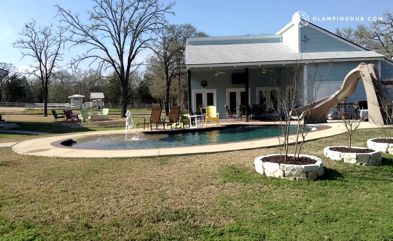 Cottage With Pool In College Station Texas