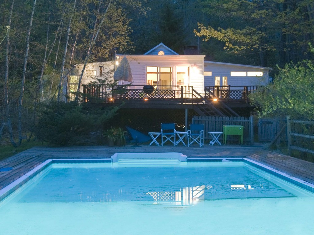 Pool And Jacuzzi Deluxe Cottage With Private Outdoor Pool And Jacuzzi In Woodstock New York