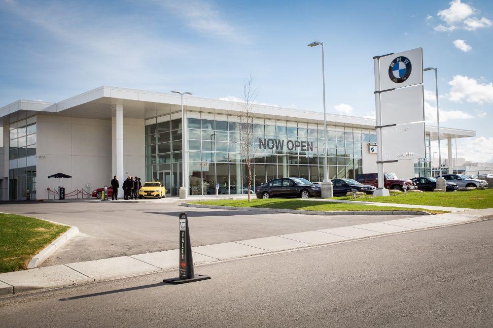 BMW Gallery - Dilawri Group of Companies Office Photo Glassdoor - bmw corporate office