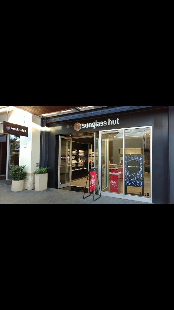 Actual store - Sunglass Hut Office Photo Glassdoor