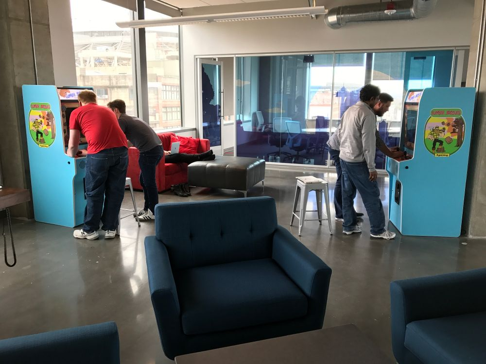 Game time at the Brewcade - Qualtrics Office Photo Glassdoor