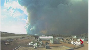 Fire crews continue to fight wildfire in Fort McMurray