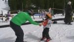 Syrian refugees enjoy their first ski day