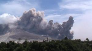 Raw video: Volcano in Indonesia continues to spew hot ash