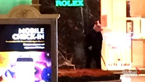 Men in animal masks rob store in Las Vegas Casino
