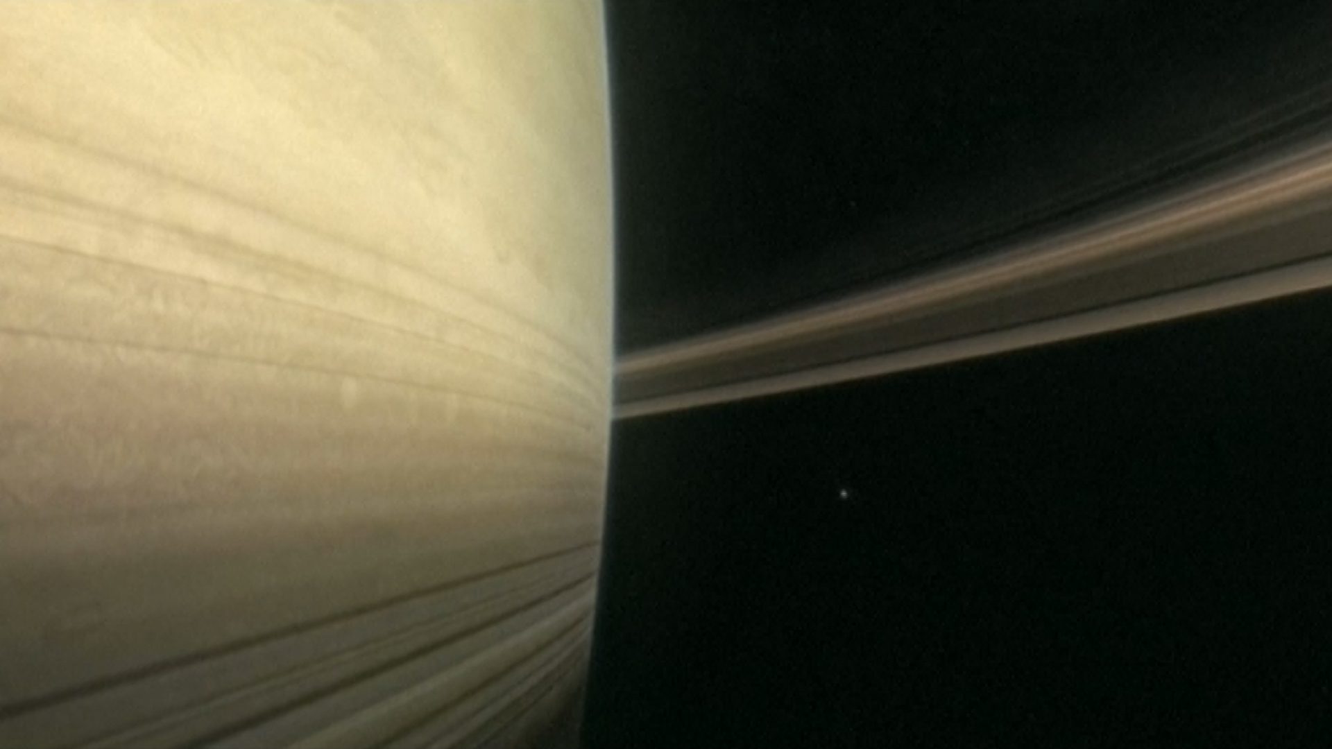 Cassini sends first images from dive between Saturn and rings