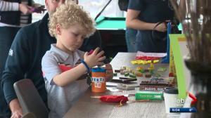 Edmonton parents push province to ban adults-only apartment buildings