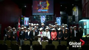 Past Canadian sports heroes honoured at Sports Hall of Fame