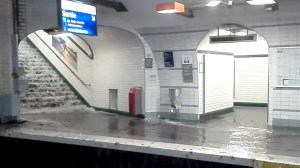 Record rainfall shuts down Paris metro