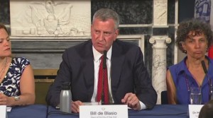 Bill de Blasio says Legionnaires' outbreak has affected 113