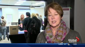 Canadians turn out in high numbers for advance polls