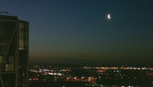 Monday morning moon loses out to the sunrise in spectacular fashion