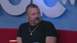 Horror movie legend, Kane Hodder drops by Global News