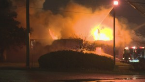 Firefighters battle blaze at commercial building in Mississauga