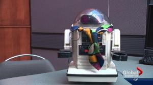 Omnibot running for U of A SU president