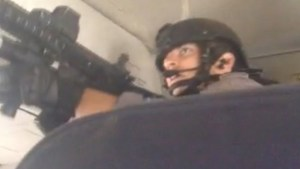 Passenger captures moment SWAT team boards Sunwing plane