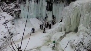 Video captures scary moment frozen Minnehaha Falls collapse on trespassers