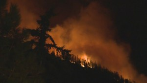 Fast moving wildfire threatens West Kelowna homes