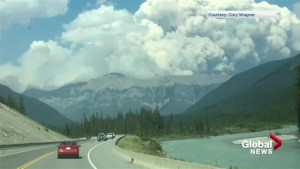 Fire in Kootenay and Banff national parks forces trail closures