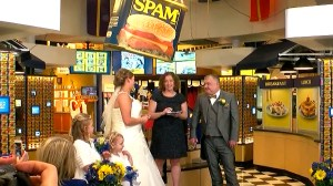 Canned meat-loving U.K. couple get hitched at SPAM Museum in Minnesota
