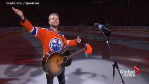 Oilers fans sing 'Star-Spangled Banner' after singer's mic doesn't work