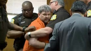 Kalamazoo mass shooting suspect removed from court after outburst