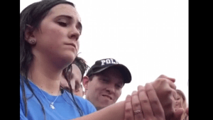 Texas cops lets off underage drinker after losing game of 'Rock, Paper, Scissors'