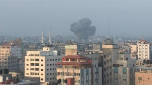 Raw video: Early morning Israeli airstrikes on Gaza City, aftermath