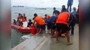 Ferry carrying 173 capsizes in Philippines