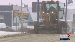 Fresh round of snowfall creates problems for Edmonton drivers
