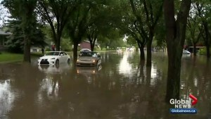 Flash flooding in Saskatoon as storm hits city