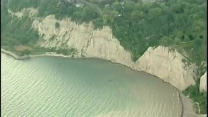 Landslide warning at Scarborough Bluffs
