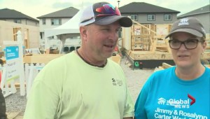 Garth Brooks, Trisha Yearwood at Edmonton Habitat build