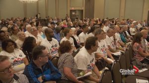 Flood victims gather for meeting in Pointe-Claire