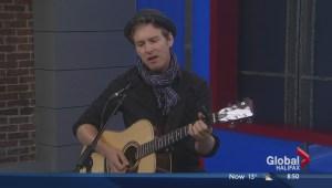 Ian Sherwood performs