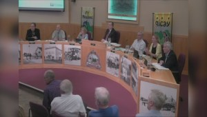 Pitt Meadows mayor tosses three people from meeting over proposal
