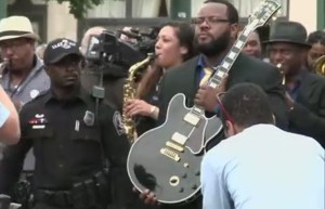 RAW: B.B. King tribute, processional in Memphis