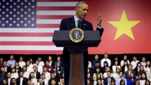 Obama gives hip hop history lesson after Vietnamese rapper rhymes for him