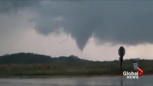 Powerful storms, tornadoes ravage US Midwest