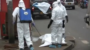 Liberia residents frustrated by slow response to remove dead Ebola-infected body