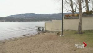Kelowna resident wants illegal docks, fences removed from Kelowna shoreline