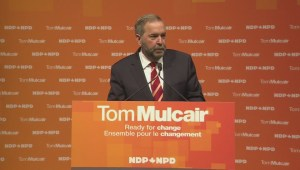 Energy East pipeline protesters interrupt Mulcair's book signing