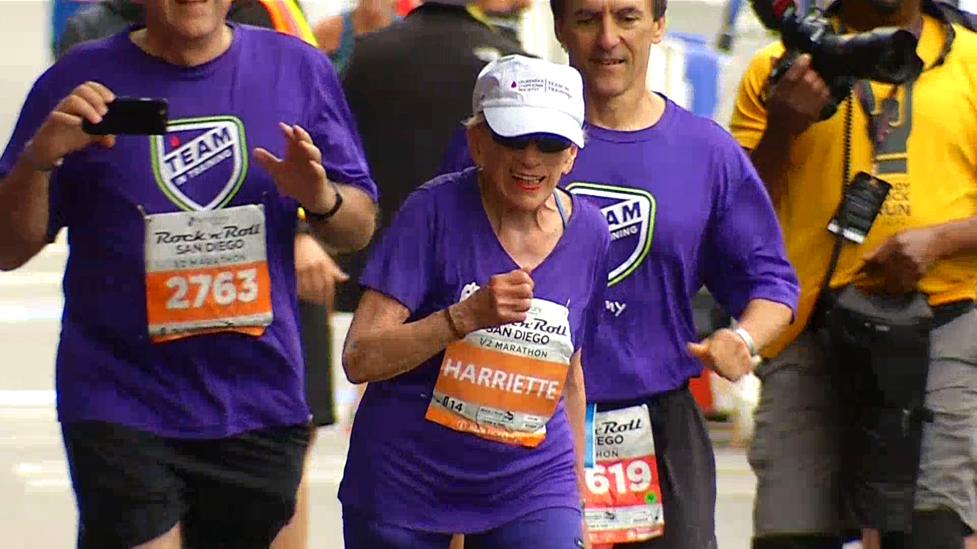 94-year-old Harriette Thompson becomes oldest woman to run half marathon