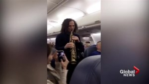 Kenny G plays for Delta passengers