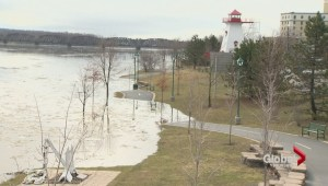 Saint John River reaches flood levels, Fredericton residents prepare for the worst