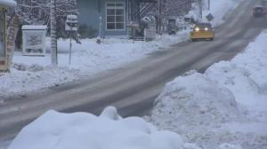Nor'easter dumps snow on Northeastern United States