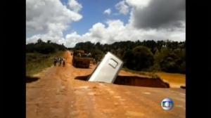 Bus in Brazil swallowed by massive sinkhole