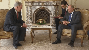 Former PM Chretien meets with Vladimir Putin in Moscow