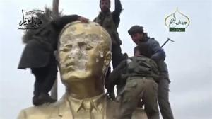 Raw video: Celebration, vandalism as Syrian city of Idlib falls to Nursa Front forces